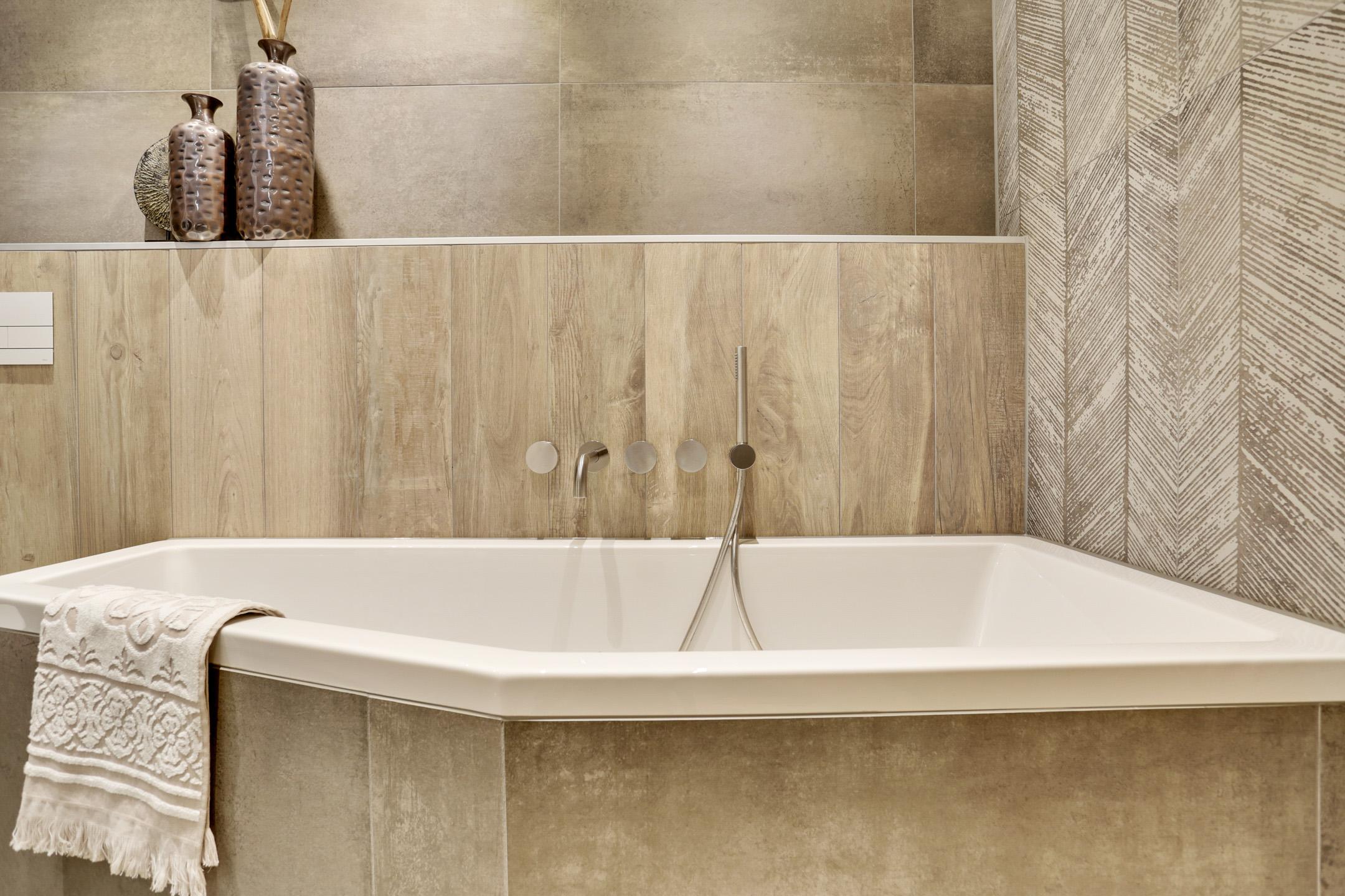 Tegels Badkamer Tilburg : Complete badkamer fantini